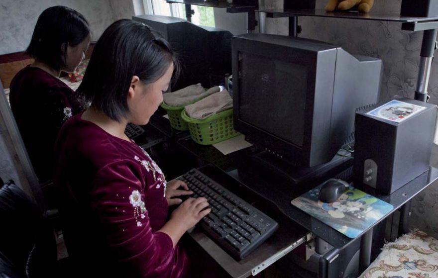 smuggled out photos north korea eric lafforgue 5a4f2ee9c48a5 880